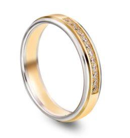 0000211_n17540-torfarget-glatt-giftering-i-gull-med-diamant-012ct-wsi-4-mm_550 (1)